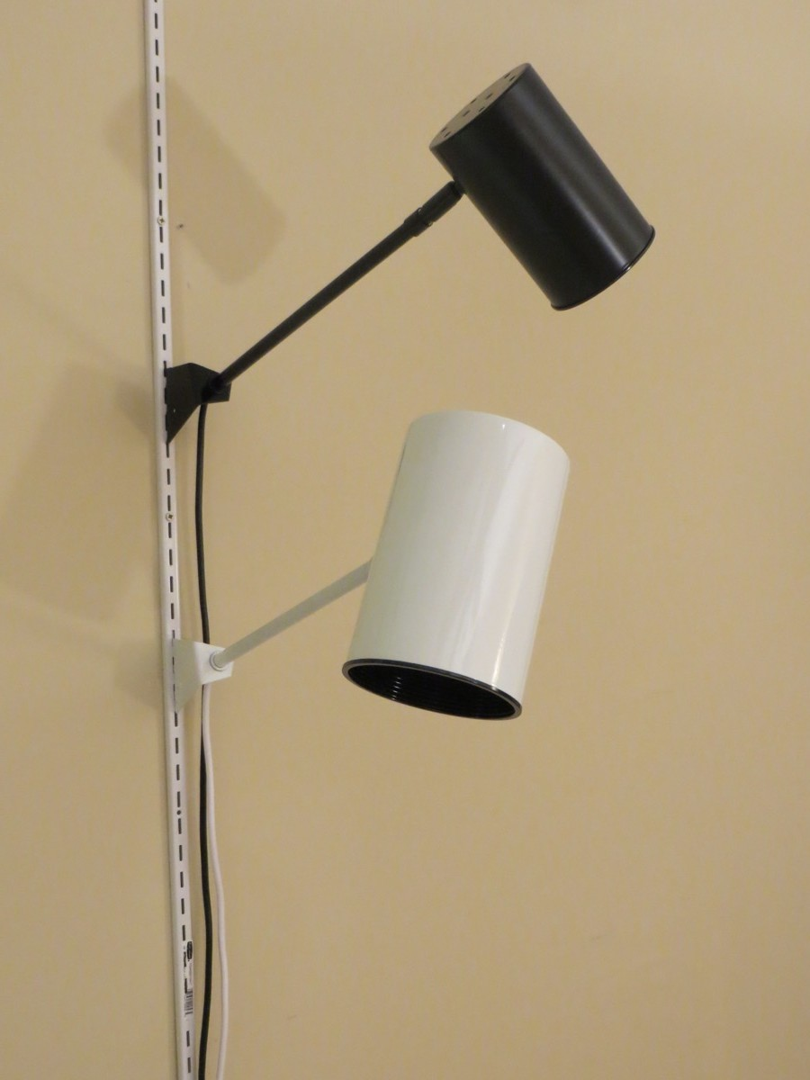 Retail Display Lighting for Slotted Standard